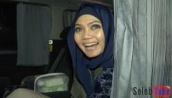 INGIN BANYAK BERSYUKUR, RINA NOSE TAK PUNYA AMBISI DI 2017