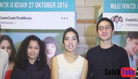 TIKA BRAVANI DITUNTUT BISA MENGATUR EMOSI DI FILM CADO CADO THE MOVIE