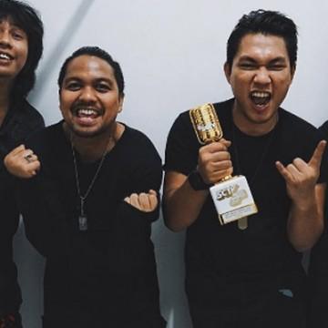 'ASKABA' HANTARKAN ARMADA RAIH PENGHARGAAN di SCTV MUSIC AWARDS 2017